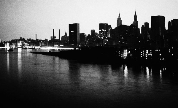 Manhattan skyline during blackout of 1977. Courtesy of Getty Images.