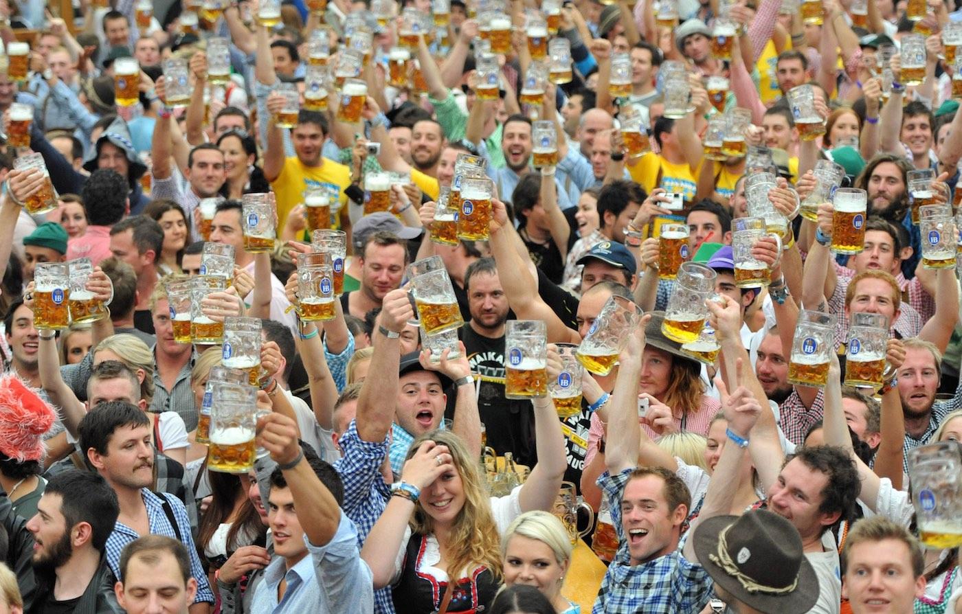 How to Celebrate Oktoberfest How to Celebrate Oktoberfest new foto